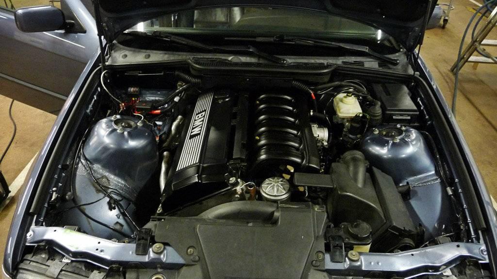 Schimpy - Bmw 320 turbo touring - Sida 3 P1030368
