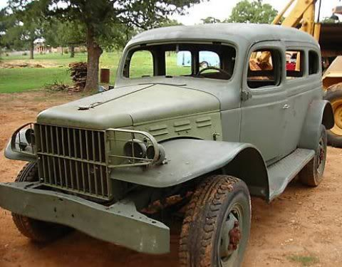 Off Road Genéricos 1942_Dodge_Power_Wagon_Carryall_Front_1