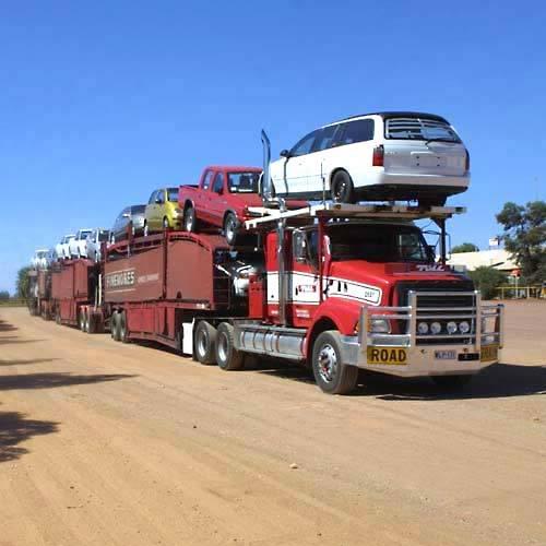 """OVERSIZE LOAD"" los Titanes de la carretera 2-2717_Road_Train_at_Marla"