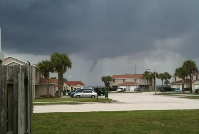 TROUBLE IN THE TROPICS, Coming Soon to a Body of Water near you..... - Page 2 Wx-brevard-funnel-cloud-murray-0817