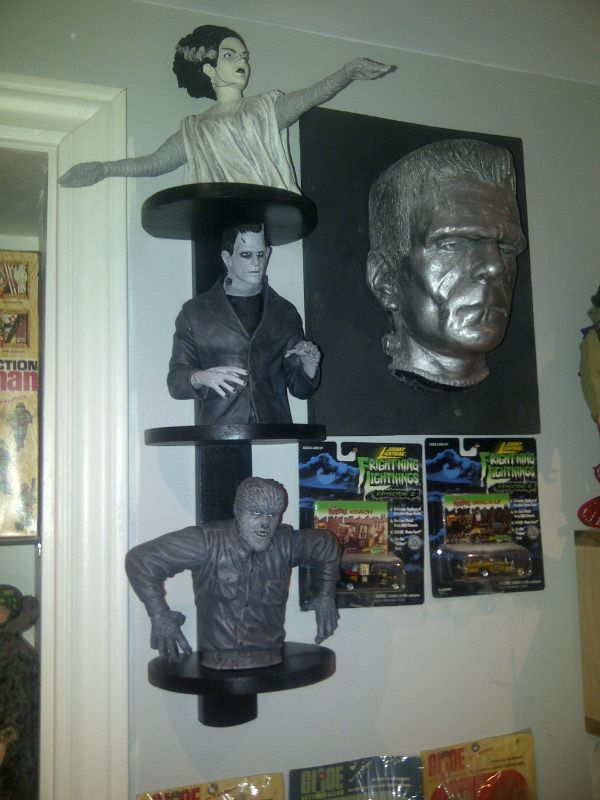 Universal Monsters - Page 2 IMG-20140209-01934_zpsb099cde2