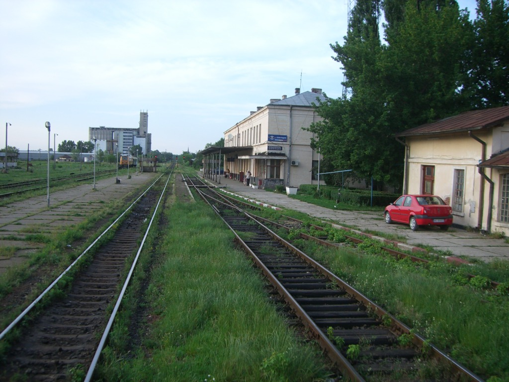 901 : Bucuresti Nord - Titu - Pitesti - Piatra Olt - Craiova - Pagina 3 CIMG8578-1