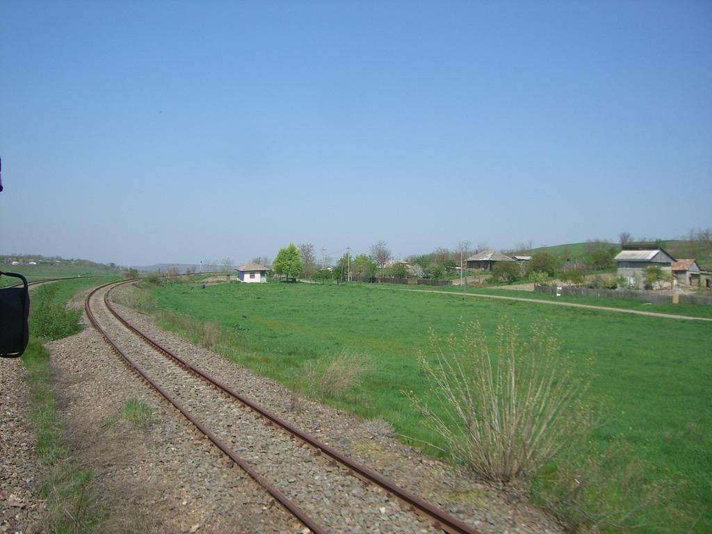 609 : Dingeni - Saveni - Drăguşeni CIMG8515
