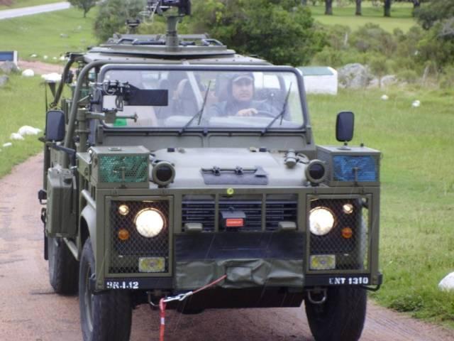 Uruguay - Página 3 Land20Rover20Tactico20-20Alfredo20Bique203_zps7c1a213c