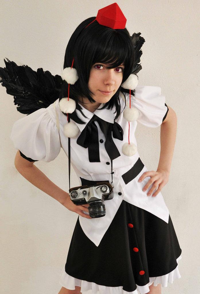 Cosplay spotlight Aya_shameimaru_cosplay_touhou_by_tenori_tiger