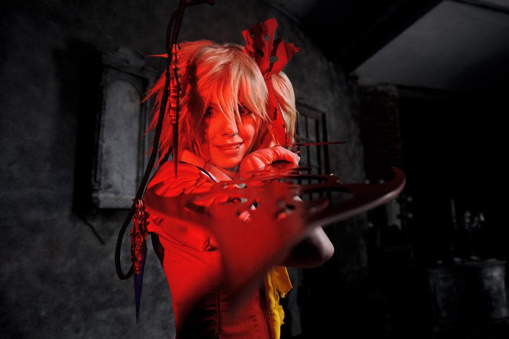 Cosplay spotlight Flandre_scarlet_cosplay_koumajou_densetsu_by_tenori_tiger-d5ruu6n
