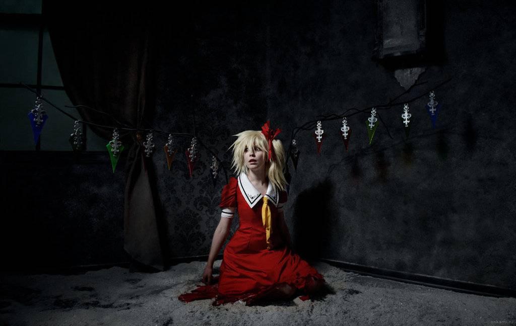 Cosplay spotlight Flandre_scarlet_cosplay_koumajou_densetsu_by_tenori_tiger-d5uger4
