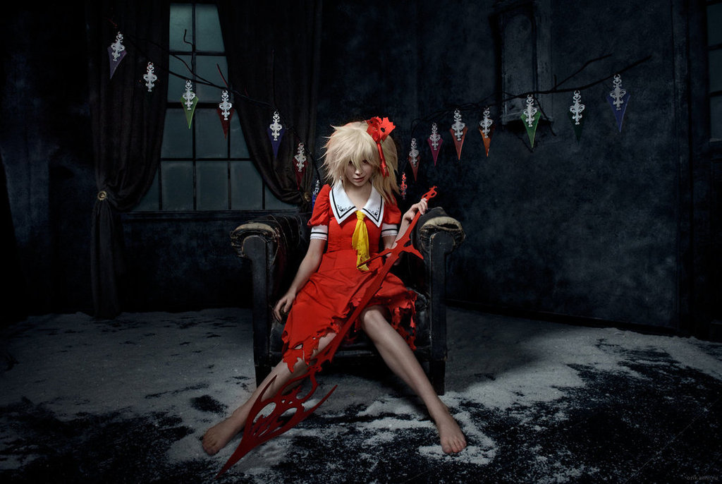 Cosplay spotlight Flandre_scarlet_cosplay_koumajou_densetsu_by_tenori_tiger-d5wtodq