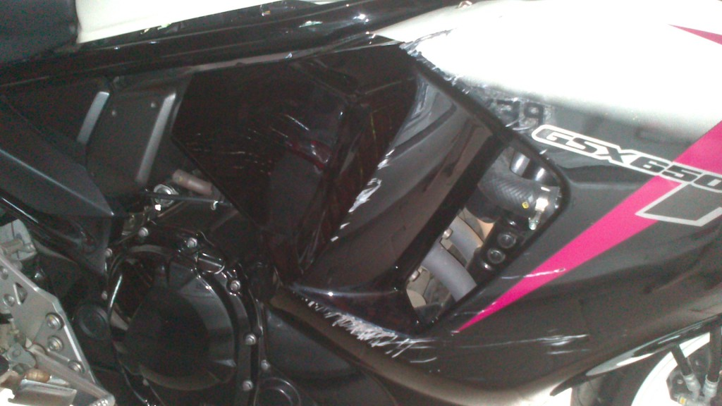 Tombo GSX 650 F 2012 - branca DSC_0358