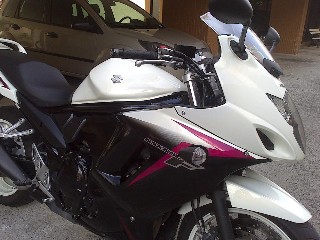 Tombo GSX 650 F 2012 - branca DSC_0429