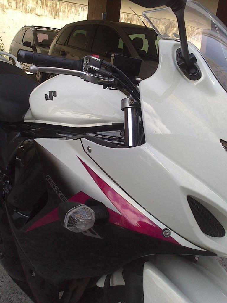 Tombo GSX 650 F 2012 - branca DSC_0430