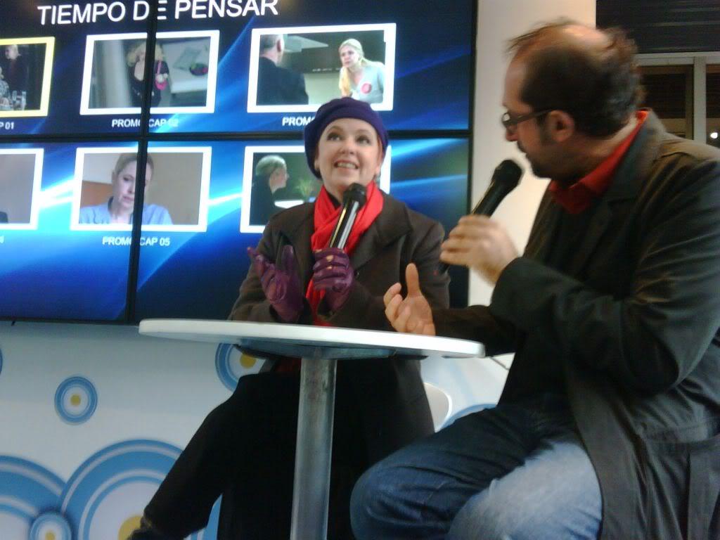 Фотографии и скрины 2012 - Página 2 ArssVjWCEAAo0Fzjpglarge