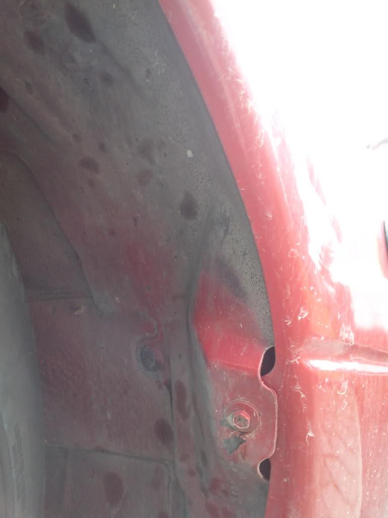 """""""Parafangos"""" interior del paso de rueda IMG_20130329_111709_zps3c10bf6e"""