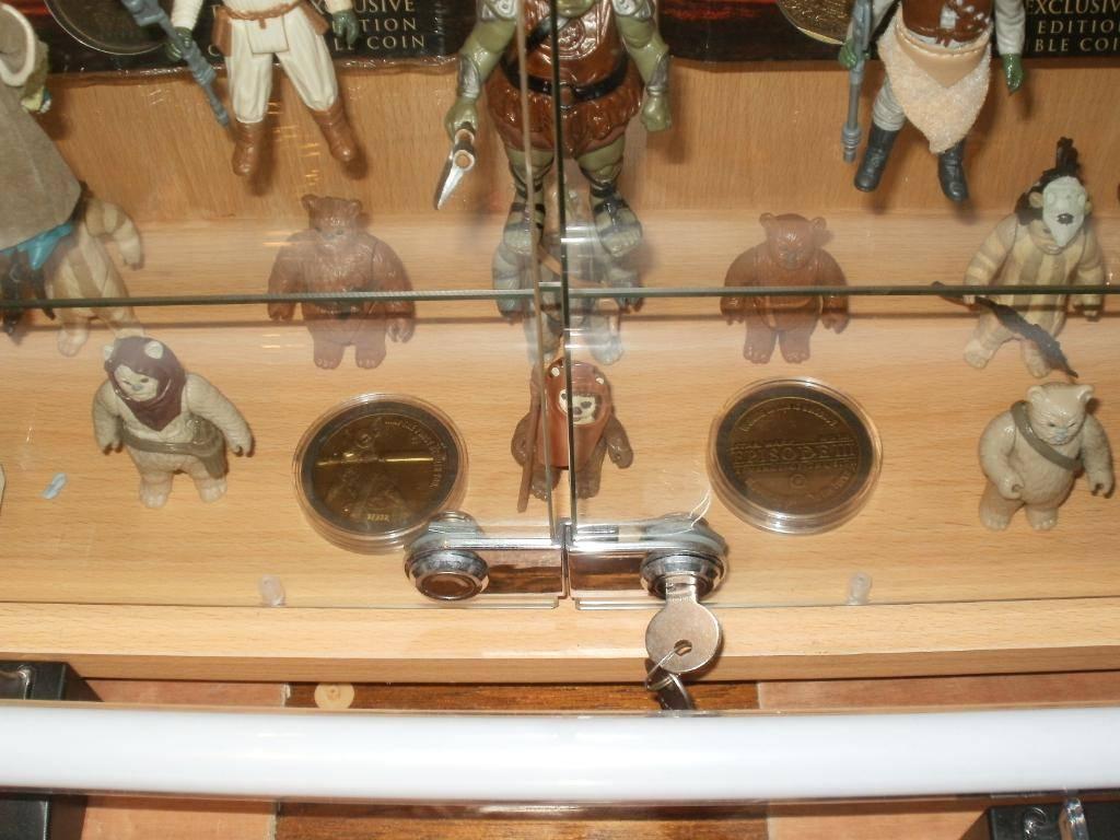 Vintage C-3PO & Loose Display New Items added 08/10/12 310