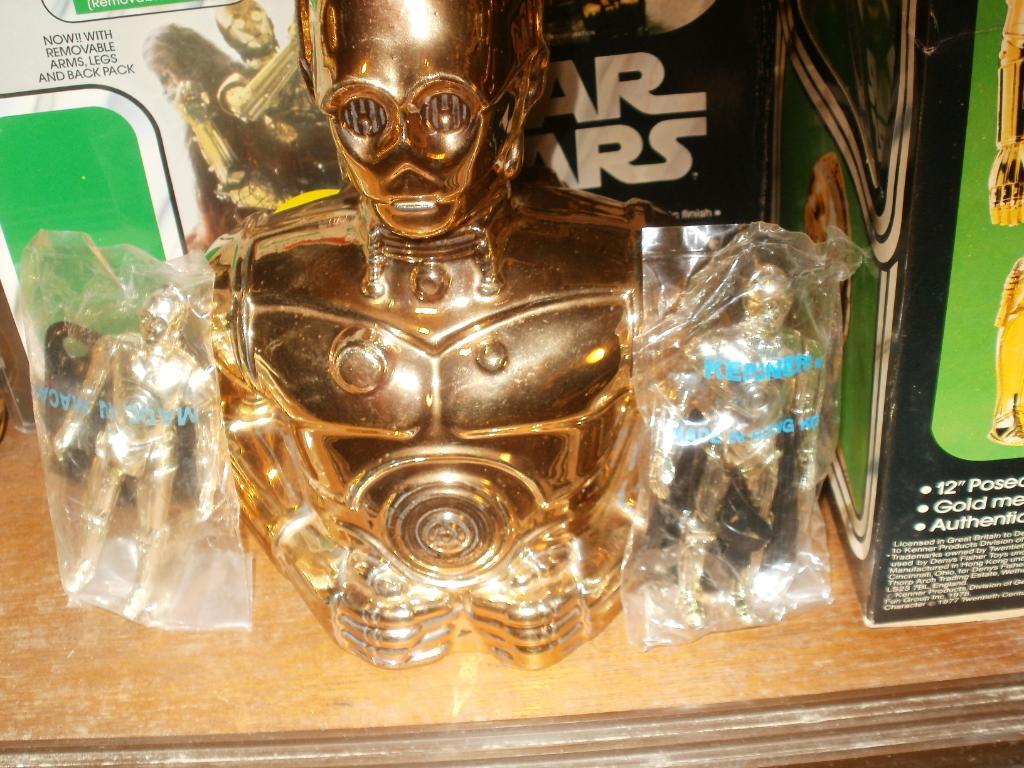 Vintage C-3PO & Loose Display New Items added 08/10/12 245