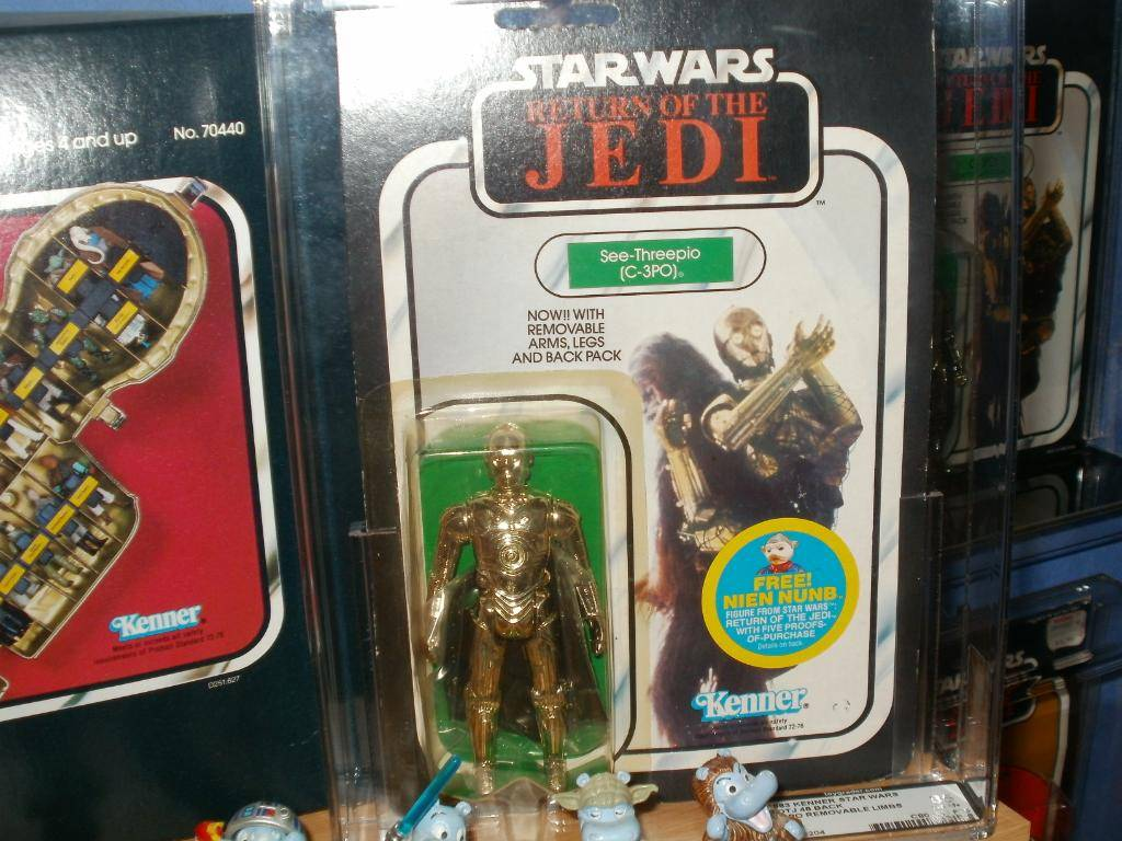 Vintage C-3PO & Loose Display New Items added 08/10/12 316