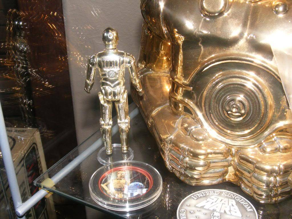 Sep 2013 Ikea Deltof C-3po Set up & Vintage C-3po Moc Shelfs 329_zpsd81a064b