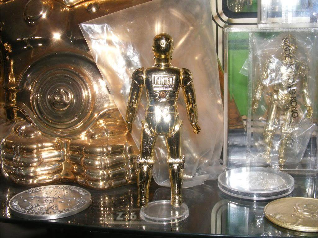 Sep 2013 Ikea Deltof C-3po Set up & Vintage C-3po Moc Shelfs 331_zps40c11ba0