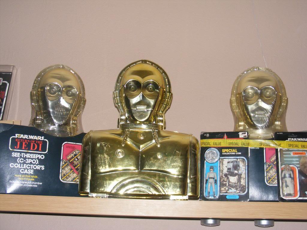 Sep 2013 Ikea Deltof C-3po Set up & Vintage C-3po Moc Shelfs 348_zps4a5f15ad