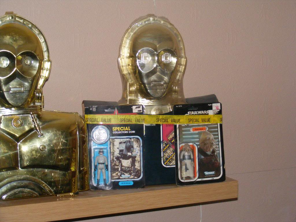 Sep 2013 Ikea Deltof C-3po Set up & Vintage C-3po Moc Shelfs 363_zps9f9e4871