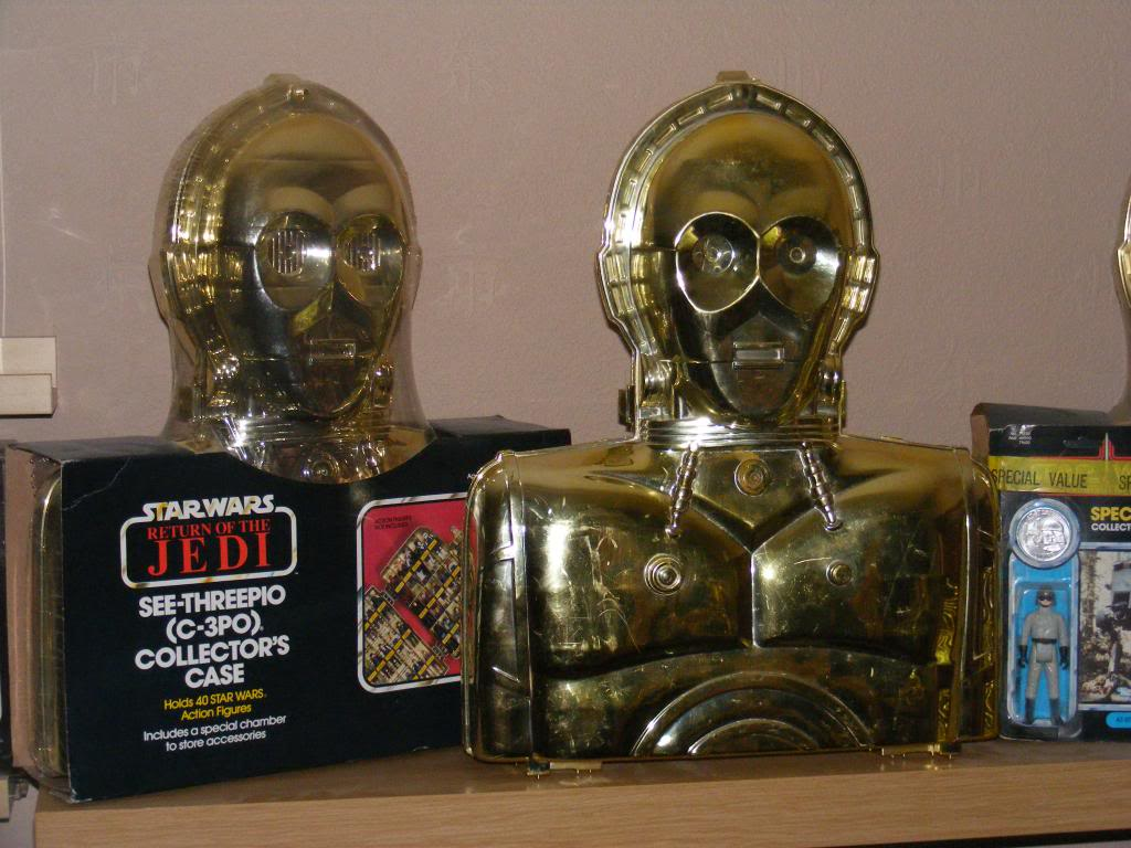 Sep 2013 Ikea Deltof C-3po Set up & Vintage C-3po Moc Shelfs 364_zps4c19c0e3