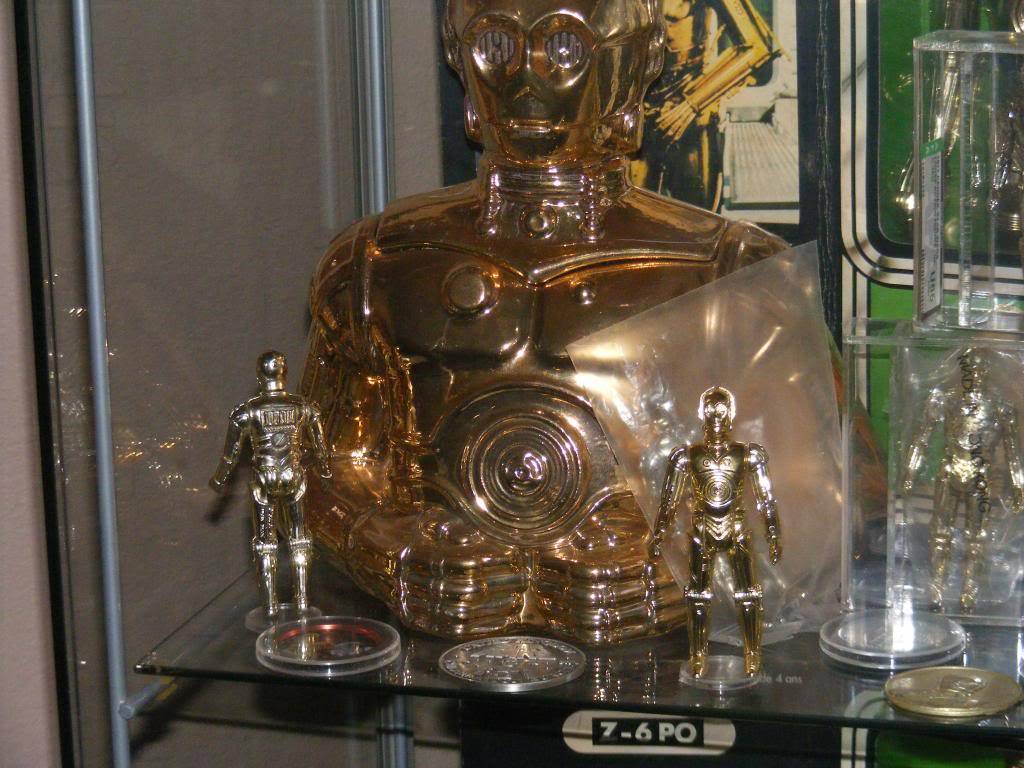 Sep 2013 Ikea Deltof C-3po Set up & Vintage C-3po Moc Shelfs 374_zps34a0728e