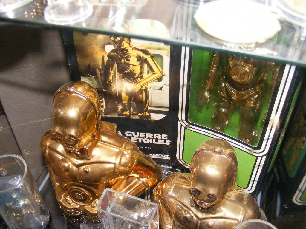 Sep 2013 Ikea Deltof C-3po Set up & Vintage C-3po Moc Shelfs 401_zps83d54d7e