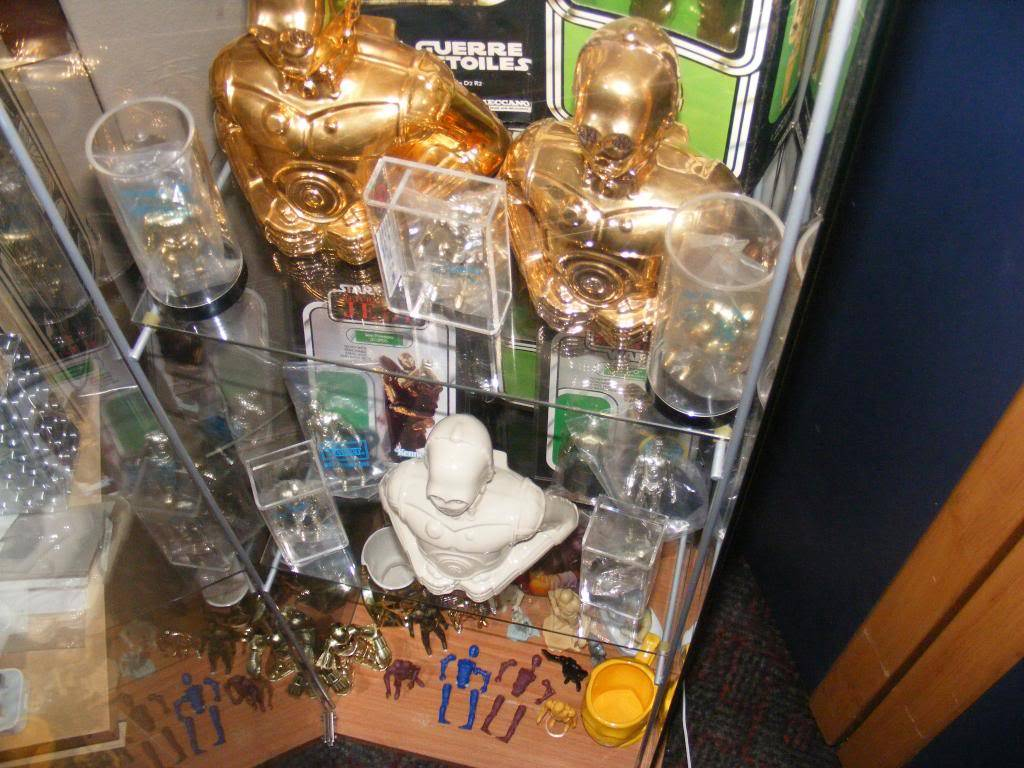Sep 2013 Ikea Deltof C-3po Set up & Vintage C-3po Moc Shelfs 408_zps57f7a760