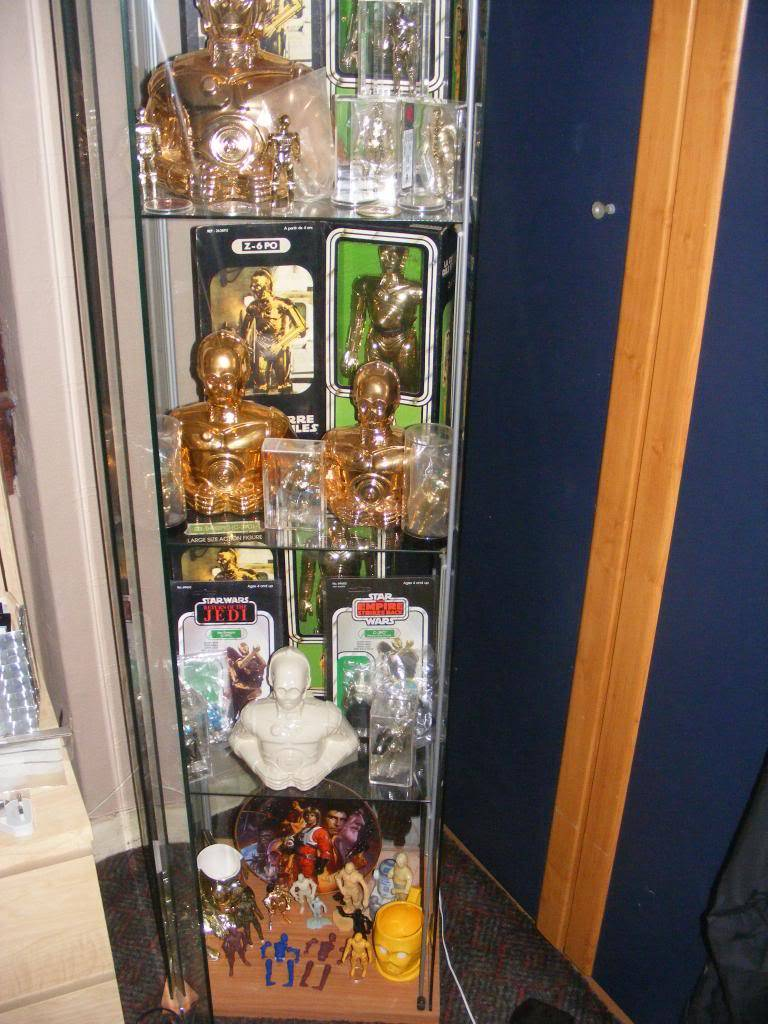 Sep 2013 Ikea Deltof C-3po Set up & Vintage C-3po Moc Shelfs 411_zps21f552d6