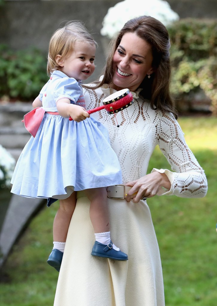 Royal Family news - Page 2 Prince-George-Princess-Charlotte-Canada-Pictures-2016_zpsppspxvkv