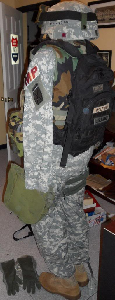 US Army Military Police display SAM_1070_zps37246dd4