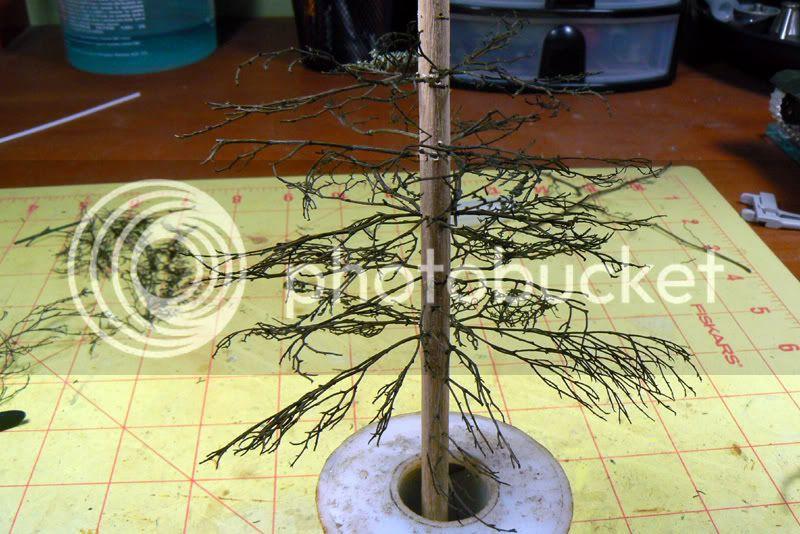 Tips & tricks 9 :Making Pine trees P1010105