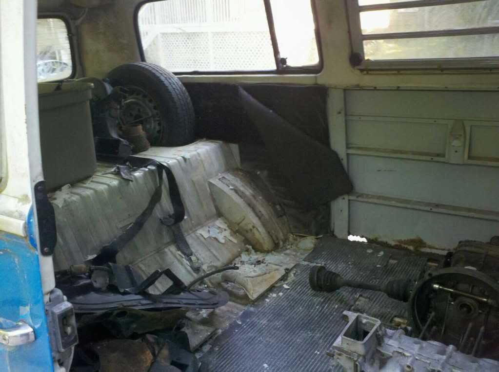 72 Bay Bus 1336405161581