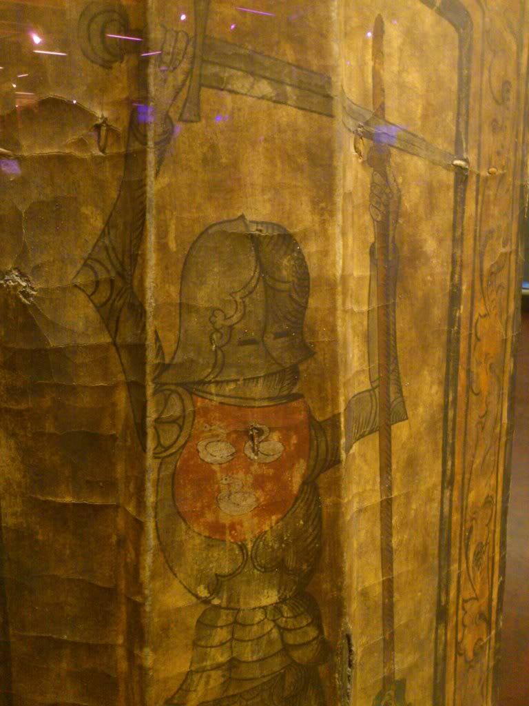 14th Century pavise DSC_3093-1