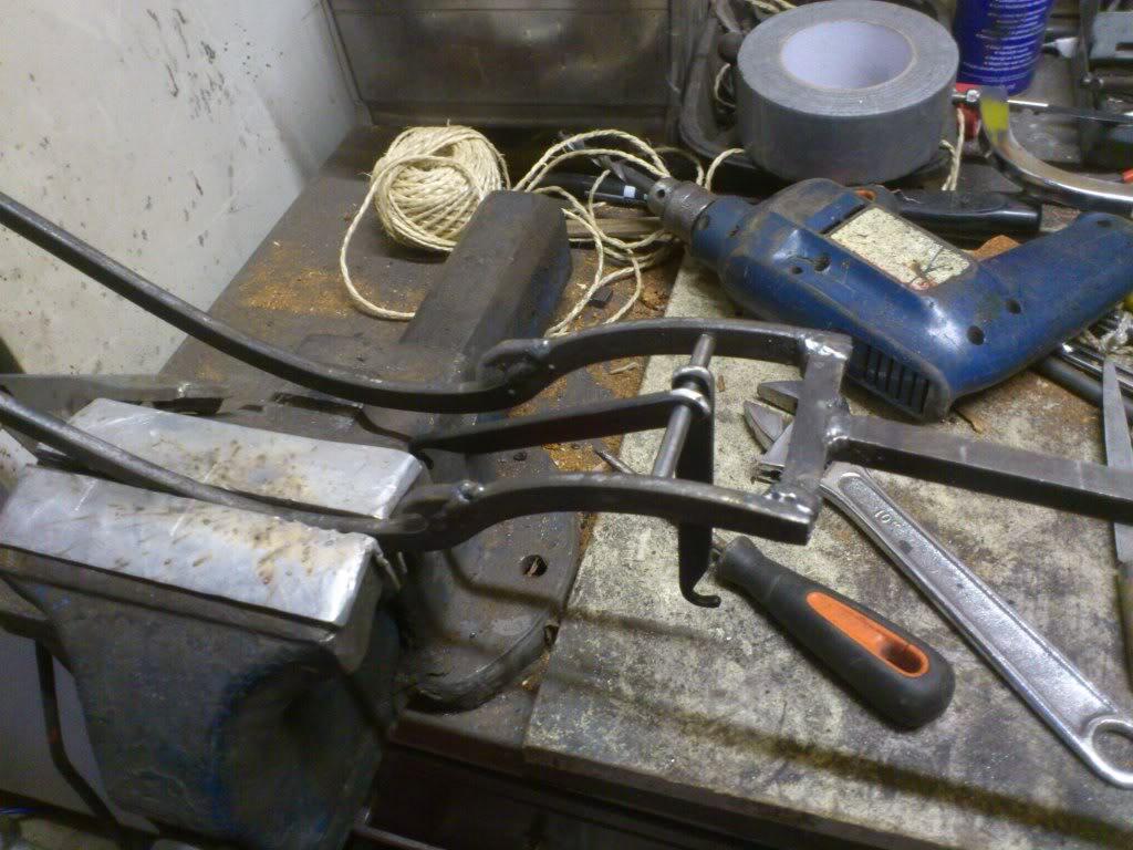 Goatsfoot lever or Cranequin? DSC_3857