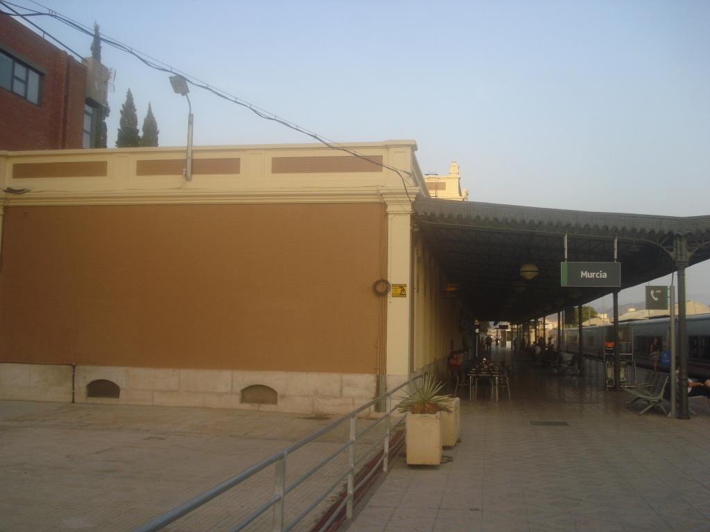 Cercanías Murcia/Alicante - Página 3 DSC00029