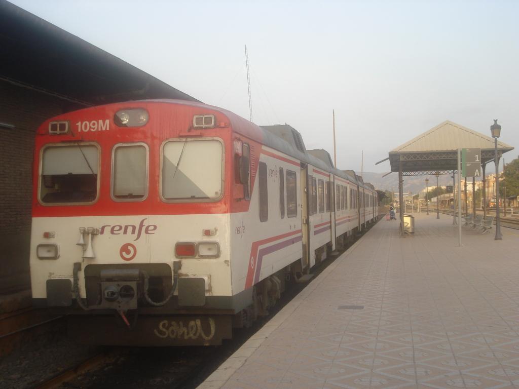 Cercanías Murcia/Alicante - Página 3 DSC00034