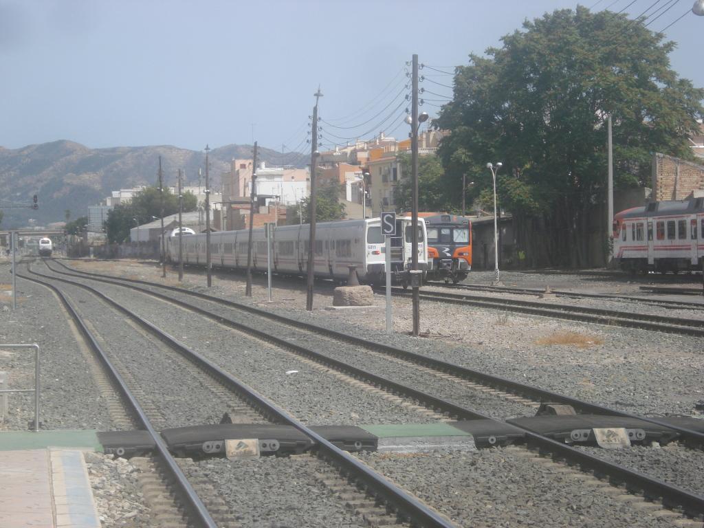Cercanías Murcia/Alicante - Página 3 DSC00088-1