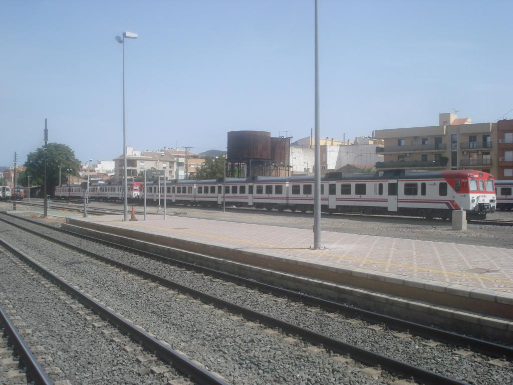 Cercanías Murcia/Alicante - Página 3 DSC00090-1