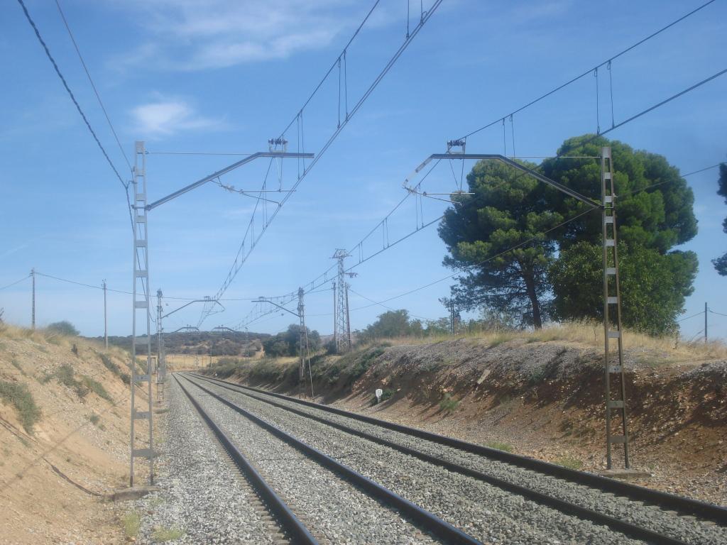 Línea Madrid-Guadalajara-Zaragoza-Tarragona-Barcelona (Ancho Nacional) - Página 2 DSC00491_zps178f6a04
