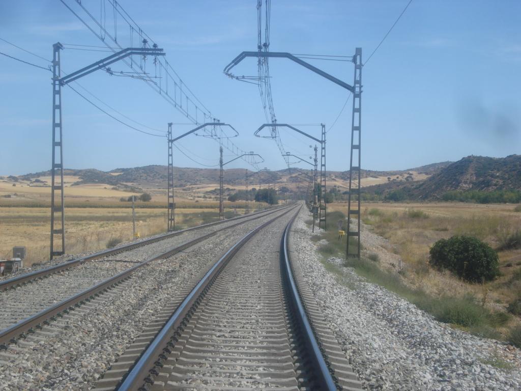 Línea Madrid-Guadalajara-Zaragoza-Tarragona-Barcelona (Ancho Nacional) - Página 2 DSC00494_zps53d2ff17
