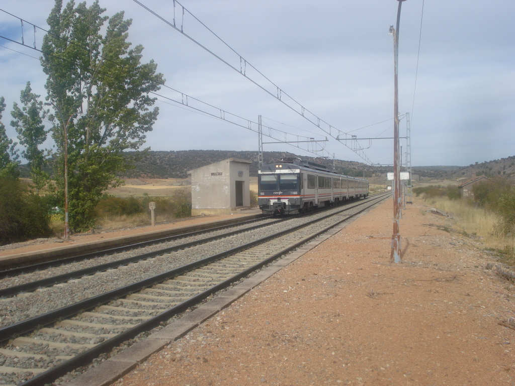 Línea Madrid-Guadalajara-Zaragoza-Tarragona-Barcelona (Ancho Nacional) - Página 2 DSC00571_zps14647f8c