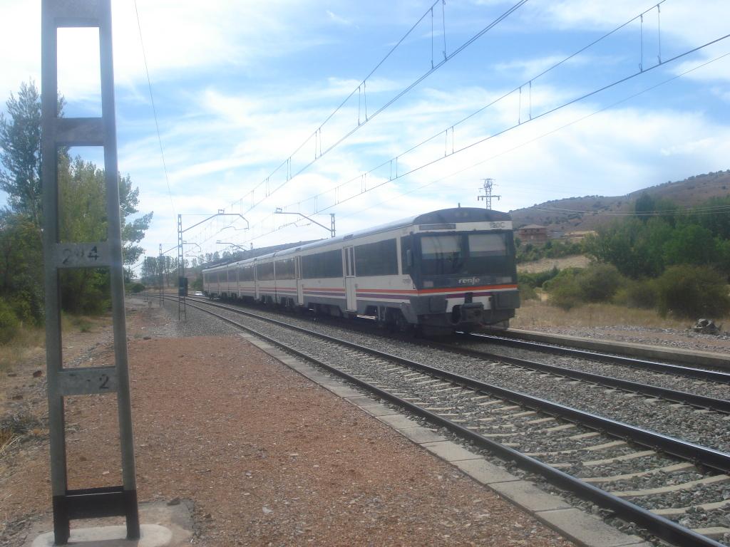 Línea Madrid-Guadalajara-Zaragoza-Tarragona-Barcelona (Ancho Nacional) - Página 2 DSC00572_zpsf3e59d1f