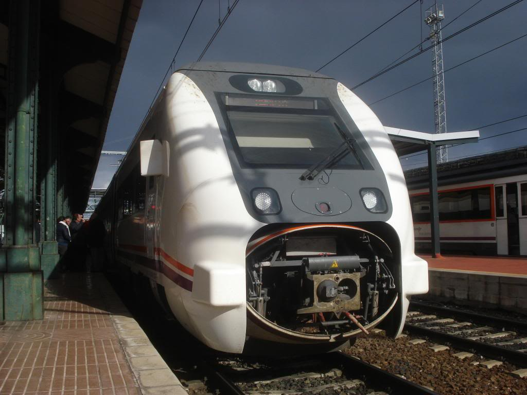 Línea Imperial (Madrid - Irún) - Página 4 DSC02398_zps7db2f413