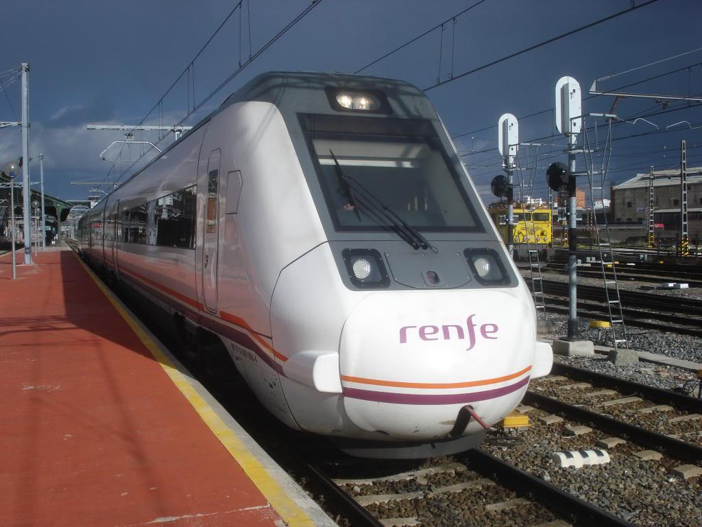 Línea Imperial (Madrid - Irún) - Página 4 DSC02403_zpsd4110d53