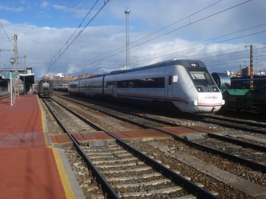 Línea Imperial (Madrid - Irún) - Página 4 DSC02411_zpsde17e5d7