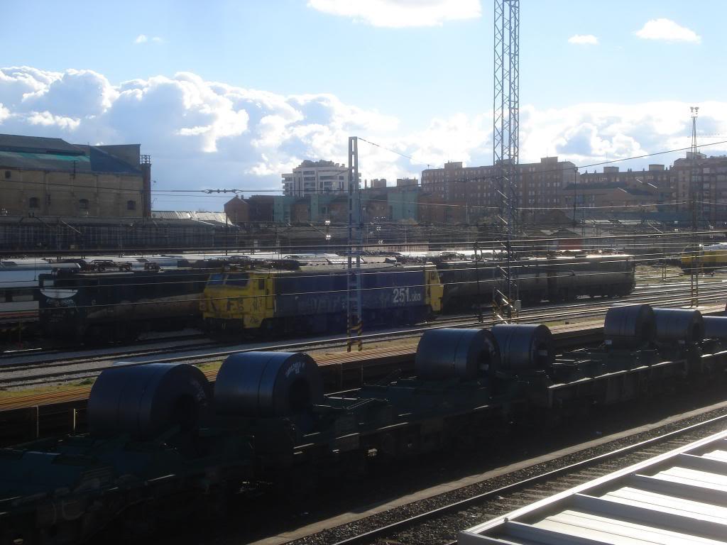 Línea Imperial (Madrid - Irún) - Página 4 DSC02419_zps1d7ad3c7