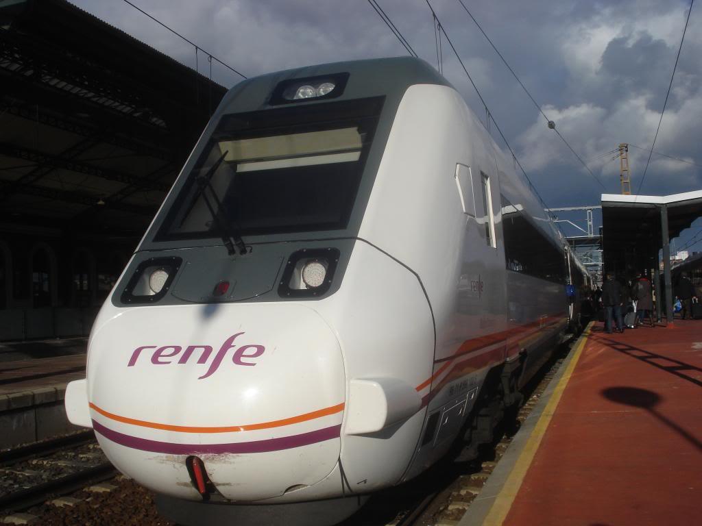 Línea Imperial (Madrid - Irún) - Página 4 DSC02428_zpsd5bdab9b