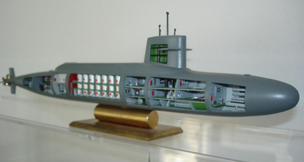 Patrick Henry nuclear sub cut-away DSC01410_zpsb53d5b41
