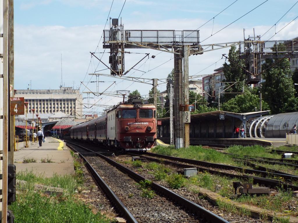 Trenuri Interregio  IR1693_zpsricczj00